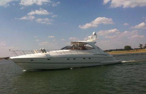 2002 Cruisers Yachts 5370 Express