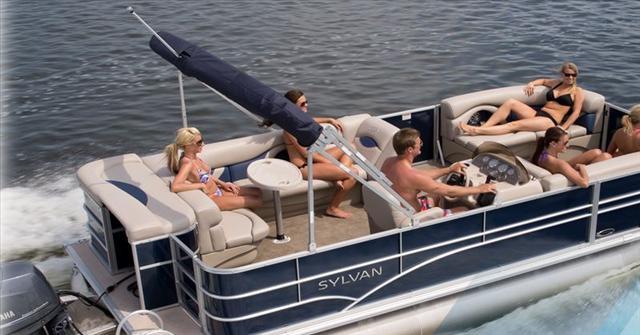 2015 Sylvan Mirage Cruise 820