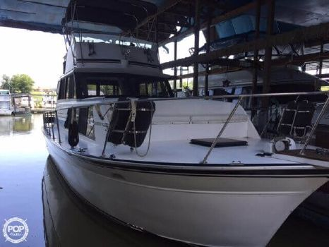 1987 Marinette Marinette Express - 32 1987 Marinette 32 for sale in Franklin Furnace, OH