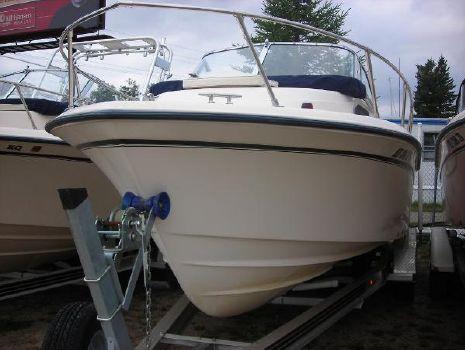 2004 Grady-White 228 Seafarer