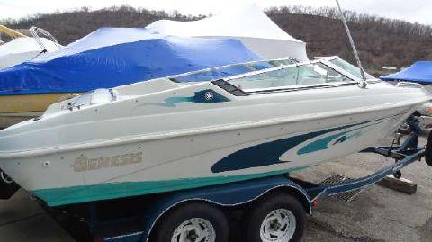 1995 Genesis Boats 2001
