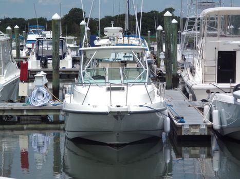 2001 Boston Whaler 275 Conquest