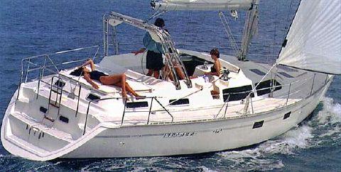 2005 Hunter Passage 42