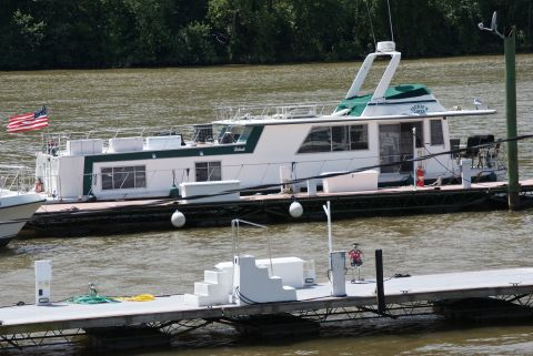 1980 Carlcraft Houseboat