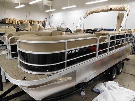 2016 G3 Boats SunCatcher V322 Cruise