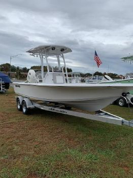 2019 SEA-PRO 228 Center Console