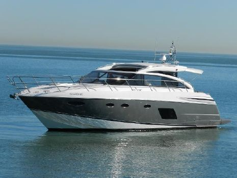 2015 Princess V52 Profile