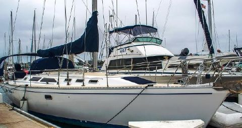 1996 Catalina 400 Home at the Dock