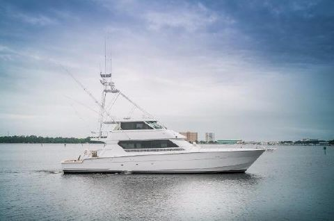 1994 Hatteras 82 Convertible Starboard Profile