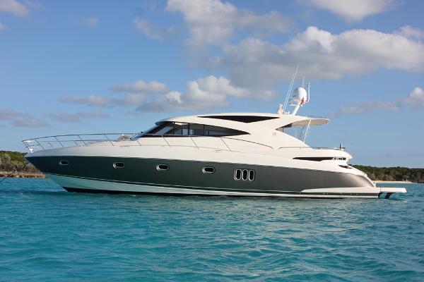 2012 Riviera 5800 Sport Yacht