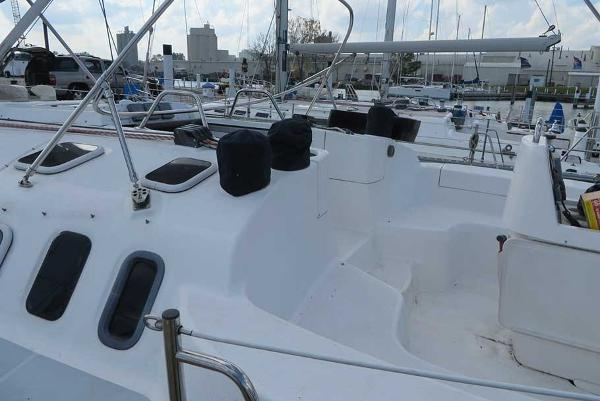 Check out this 2002 Hunter 410 on Boattrader com