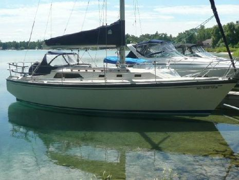 1984 O Day O'day 34 Starboard profile