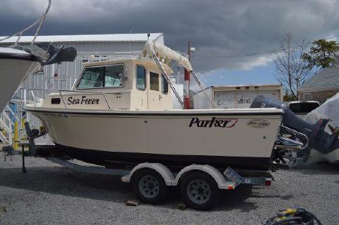 2005 Parker 2120 Sport Cabin