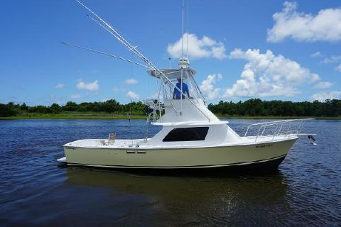 1967 Bertram 31 Flybridge Cruiser Starboard Profile