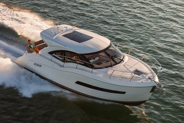 2016 Carver C37 Coupe 37 Foot 2016 Motor Boat In San