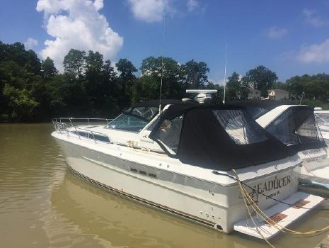 1989 Sea Ray 390 Express Cruiser 1989 Sea Ray 390 for Sale by Great Lakes Boats & Brokerage 440 221 9001