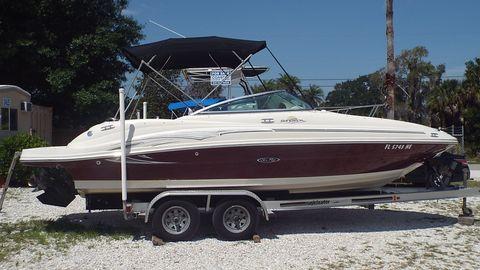 2006 Sea Ray 220