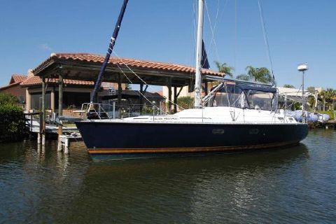 1996 Hunter 42 Hunter 42 Navy Blue Hull