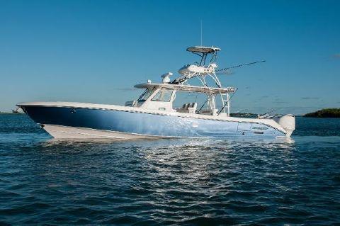 2017 Everglades Boats 435CC