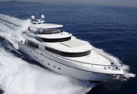 2005 Johnson Motor Yacht Sistership Photo