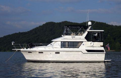 1988 Carver 3807 Aft Cabin Motoryacht