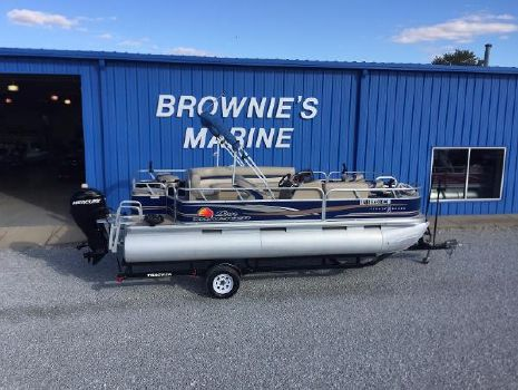 2012 Sun Tracker Fishin' Barge 20 DLX