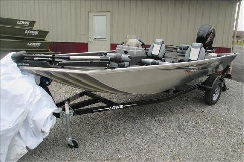 2016 Lowe Fishing Boat Stryker 17