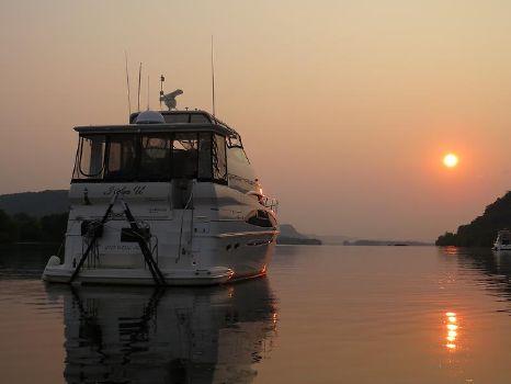 2004 Carver 466 Motor Yacht 123.JPG