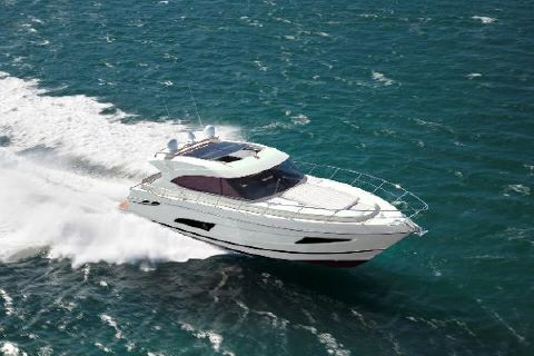 2016 Riviera 5400 Sport Yacht