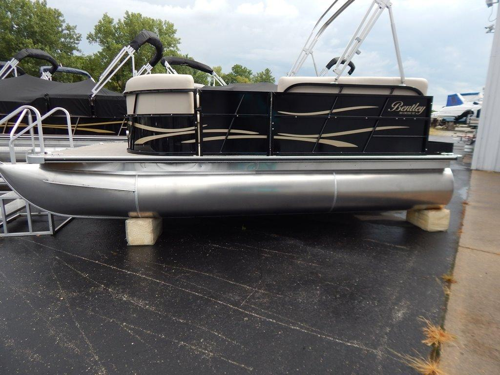 2017 Bentley Pontoons 180 Cruise SE