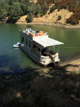 2007 Sun Tracker House Boat