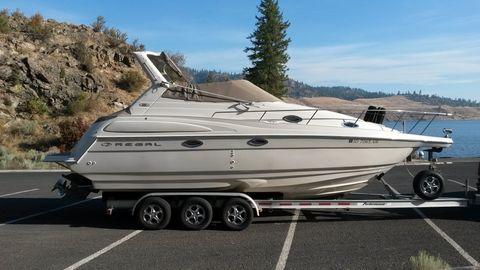 2017 Regal 2760 Cruiser