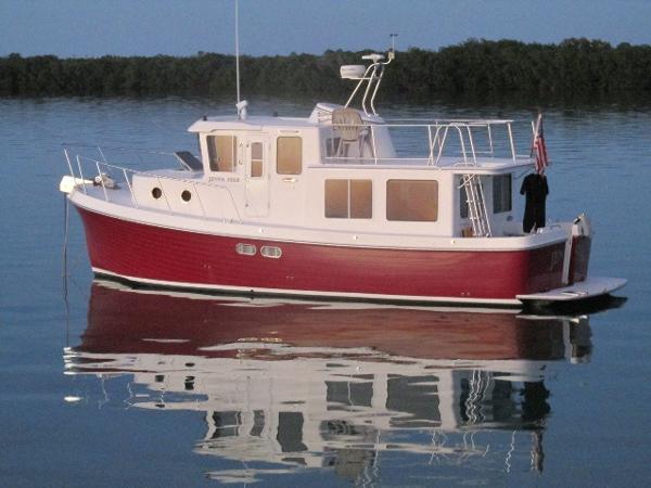 2003 American Tug Raised Pilothouse Trawler 34' American Tug port profile
