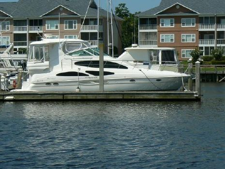 2006 Cruisers 415 Express Motoryacht Profile