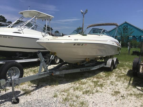 Check out this 1999 SEA RAY 210 Sundeck on Boattrader com
