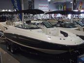 2014 Sea Ray 240 Sundeck