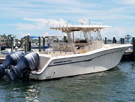 2009 Grady-White 336 Canyon Starboard Looking Fowrard