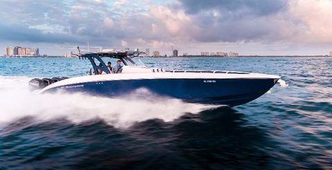 2016 Midnight Express 43 Running Profile Starboard