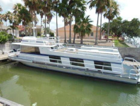 1974 KINGSCRAFT Houseboat
