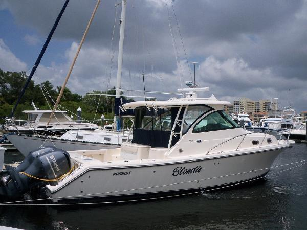 2013 Pursuit 345 Offshore