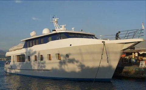 2012 Custom Freemantle Expedition Profile