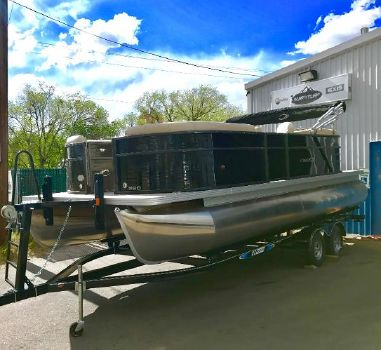 2017 Crest Pontoon Boats I 220 SLC