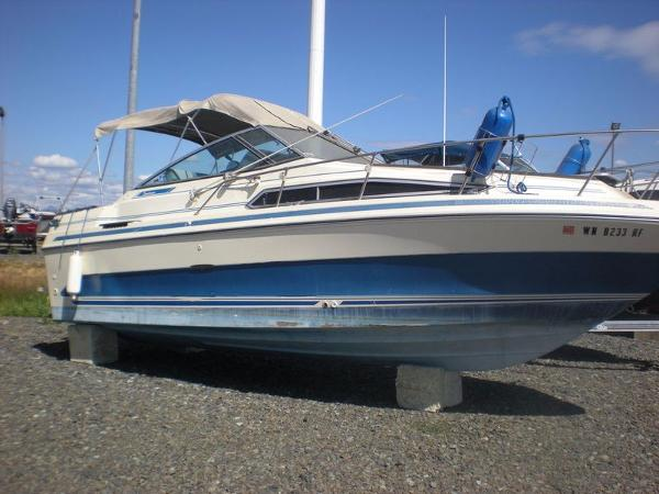 Check out this 1986 SEA RAY 250 Sundancer on Boattrader com