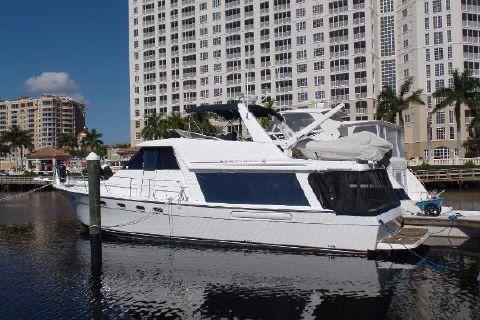 2001 Bayliner 4788 Pilot House Motoryacht Profile