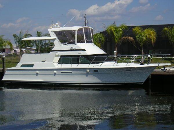 1996 Hatteras 42 Cockpit Motor Yacht