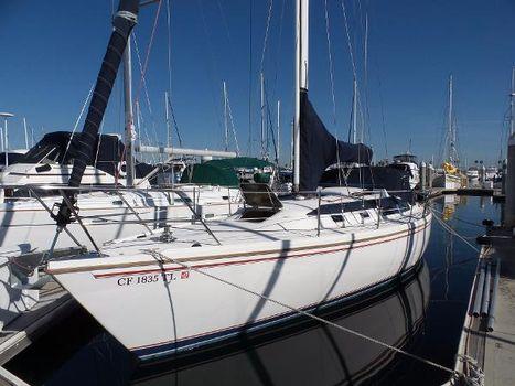 1987 Catalina 36 Docked