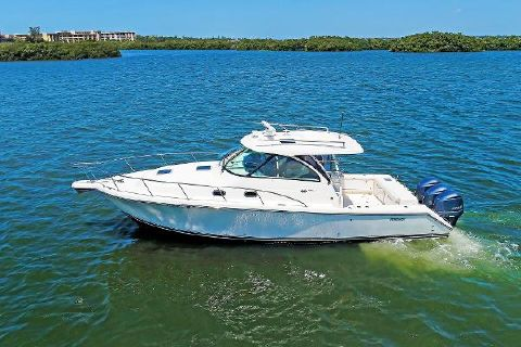 2014 Pursuit 385 Offshore