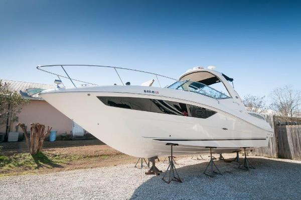 2016 Sea Ray 330 Sundancer