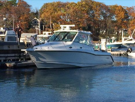 2013 Boston Whaler 345 Conquest