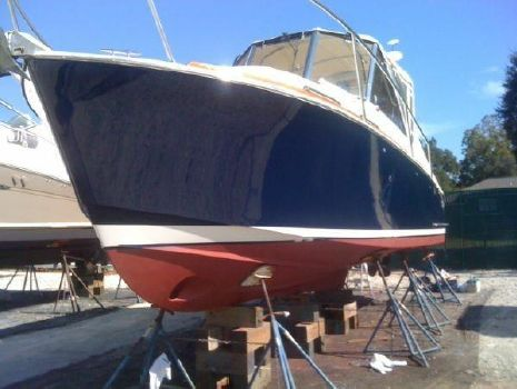 2002 Legacy Yachts Express